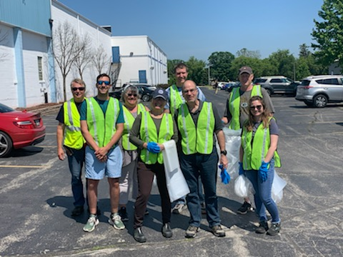 adopt-a-highway clean-up crew
